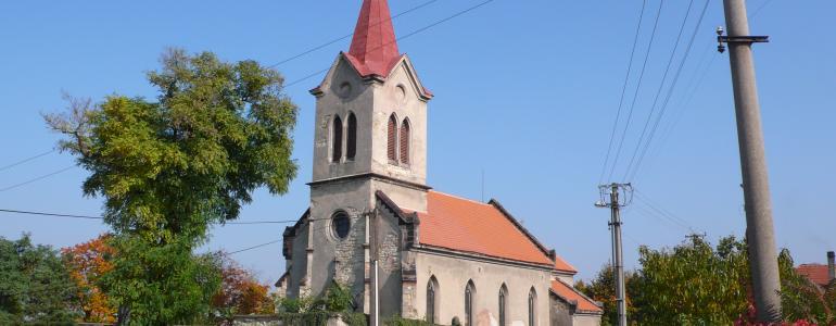 Kostel sv. Šimona a Judy v Dolíně