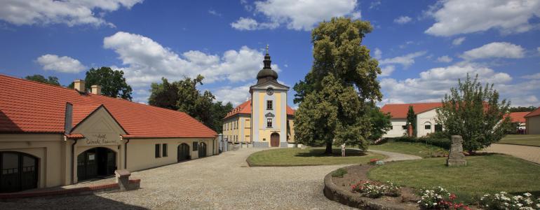 Zámecký areál Ctěnice - Praha 9 - Vinoř