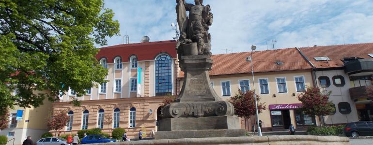 Barokní kašna se sochou sv. Floriána - Uherský Brod