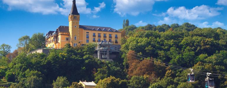 Vyhlídková věž a bludiště Větruše - Ústí nad Labem
