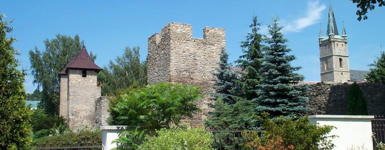 Příhradební ulička a věže (městské opevnění) - Tachov