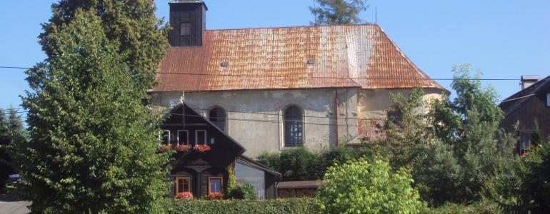 Kostel Nejsvětější Trojice v Petrovicích