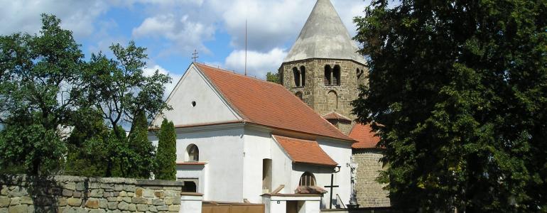 Kostel sv. Petra a Pavla -  Řeznovice