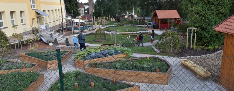 Přírodní zahrady obou mateřských školek - Žacléř